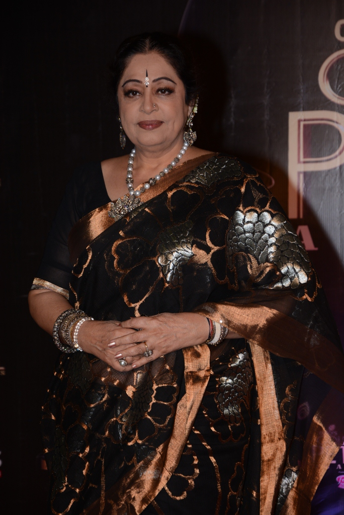 kirron kher in antique pearl chain