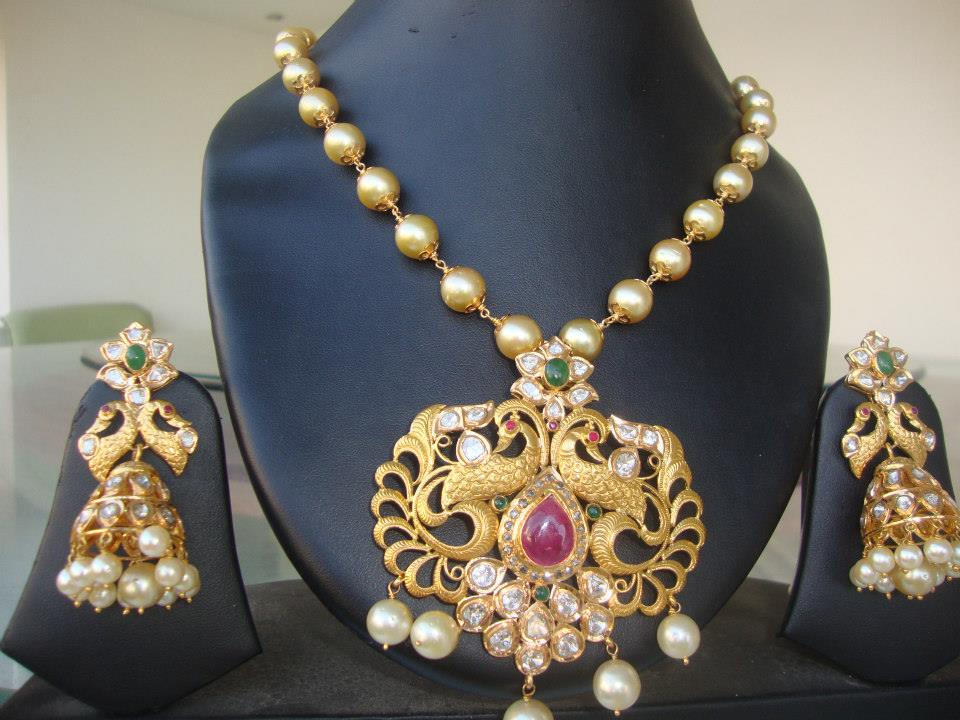pearl necklace with peacock pendant boutiquedesignerjewellerycom