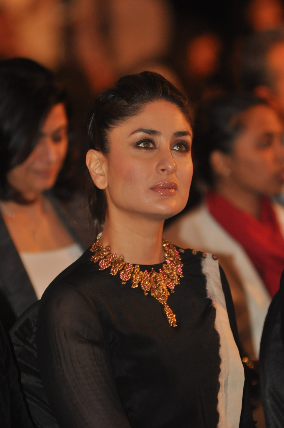 kareena kapoor in temple jewellery neacklace