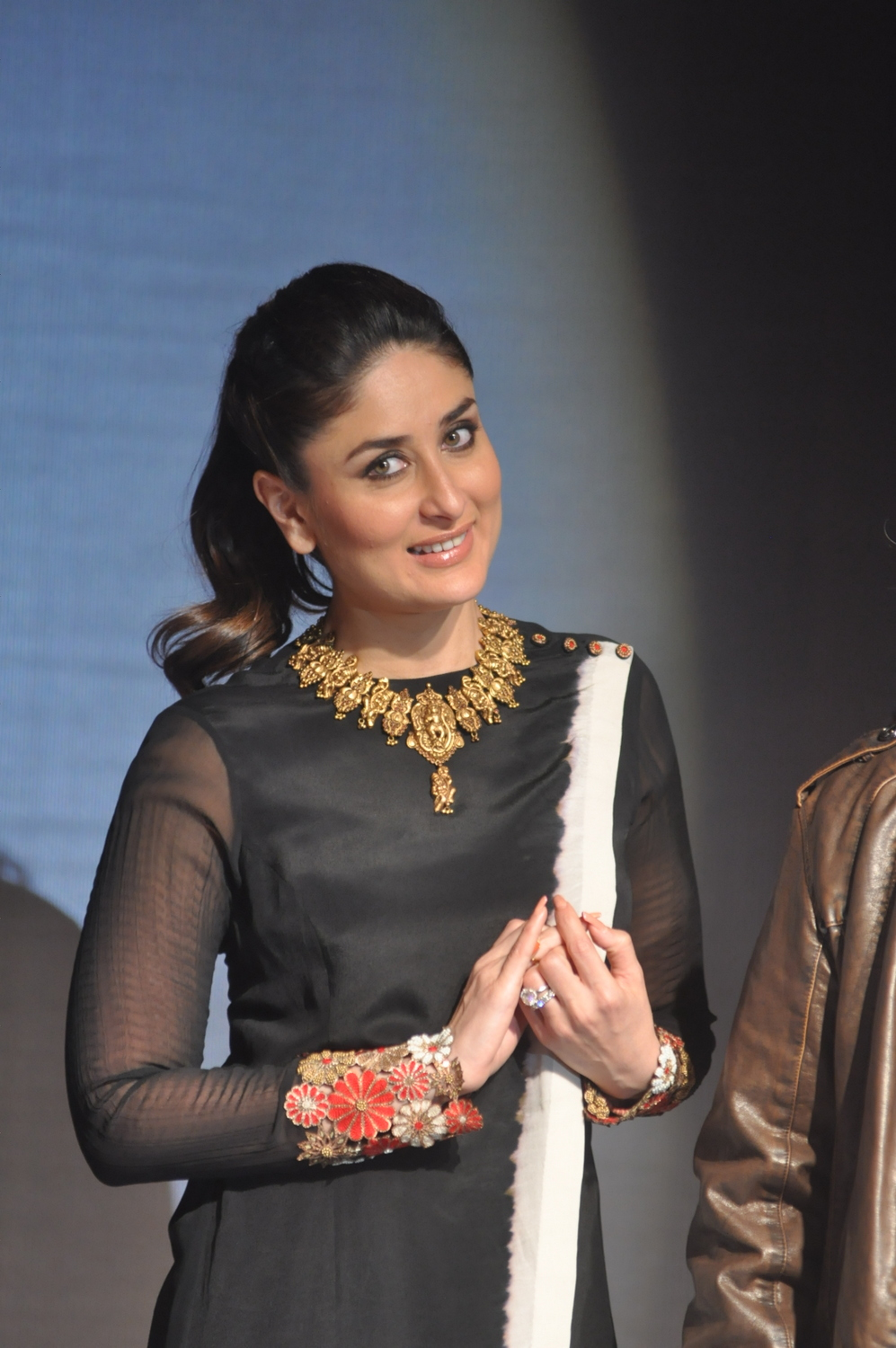 kareena kapoor in temple jewellery