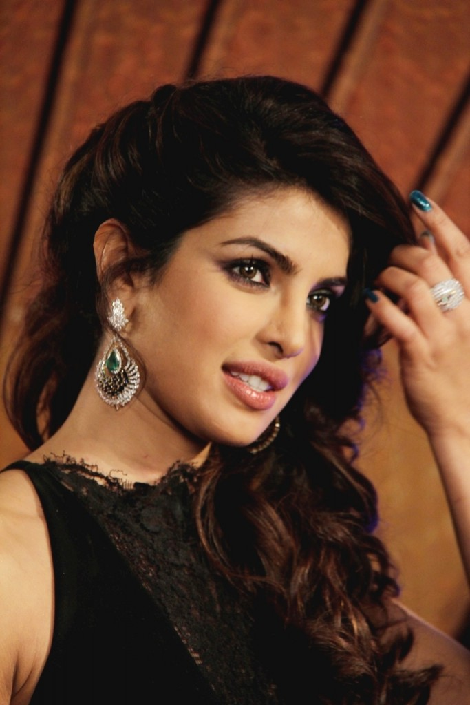priyanka chopra in diamond earrings