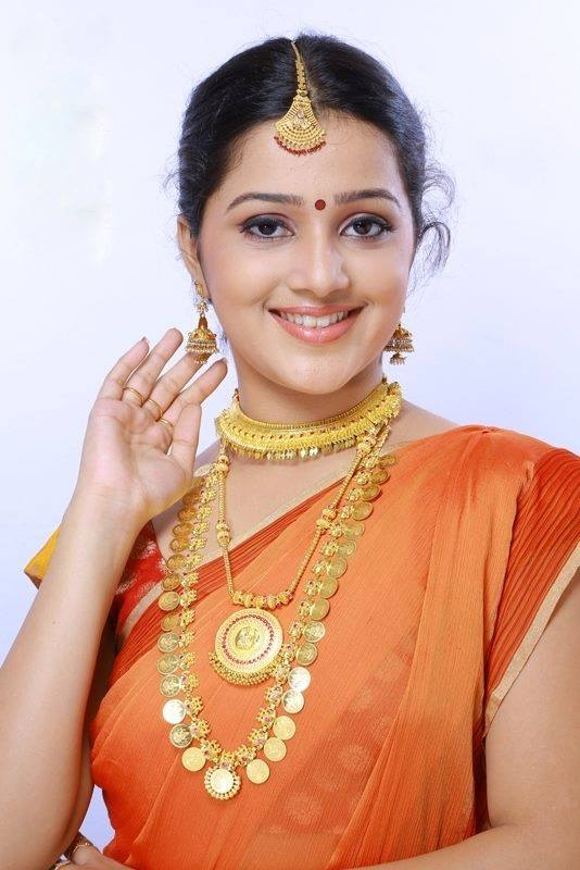 Samskruthy Shenoy in temple jewellery
