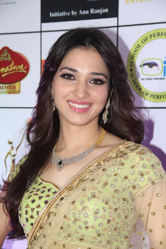 Actress Tamanna Hot Pics