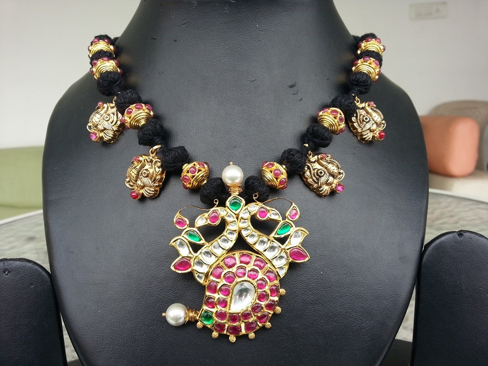 kundan ball necklace set