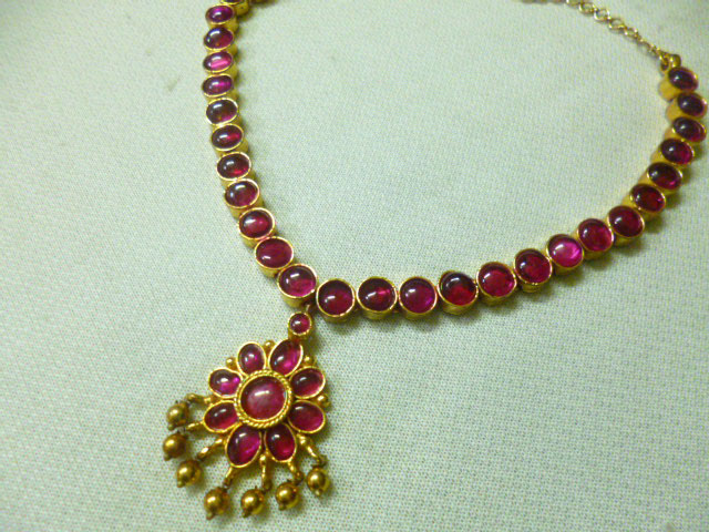 short kundan necklace