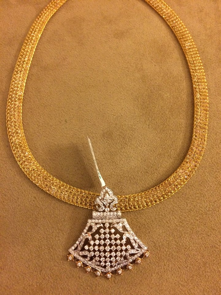 gold mesh chain with pendants