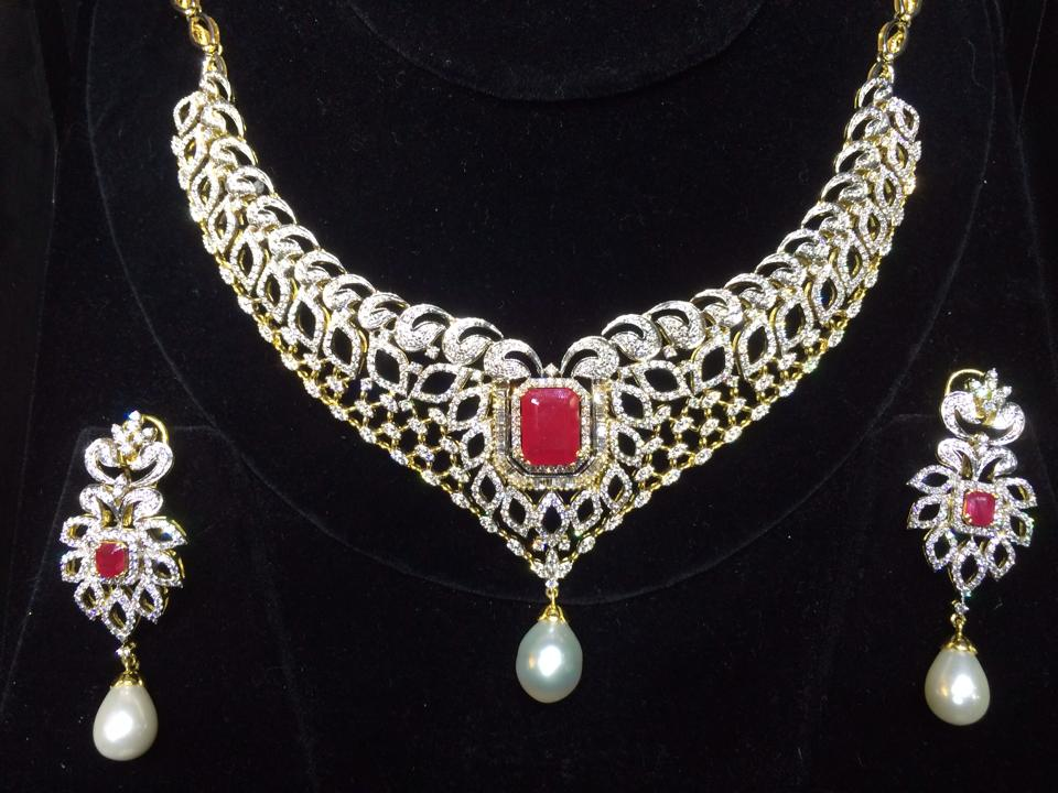 latest diamond necklace collection 2014