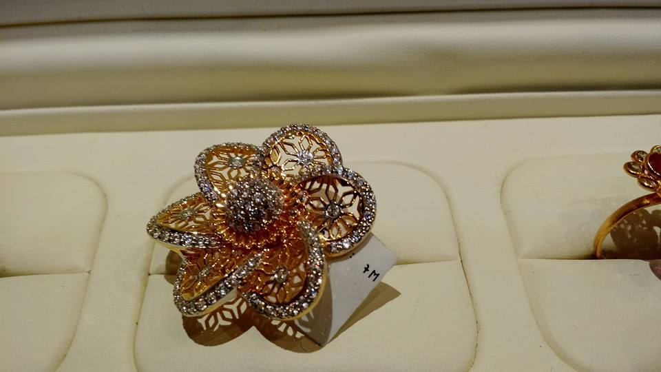 finger ring floral