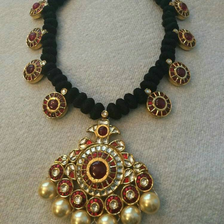 black dori necklace with kundan pendant