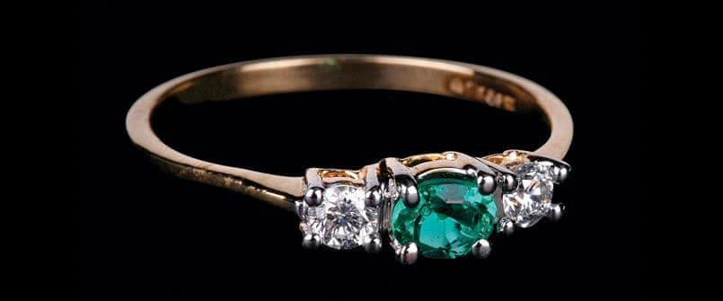 diamond-finger-rings-green