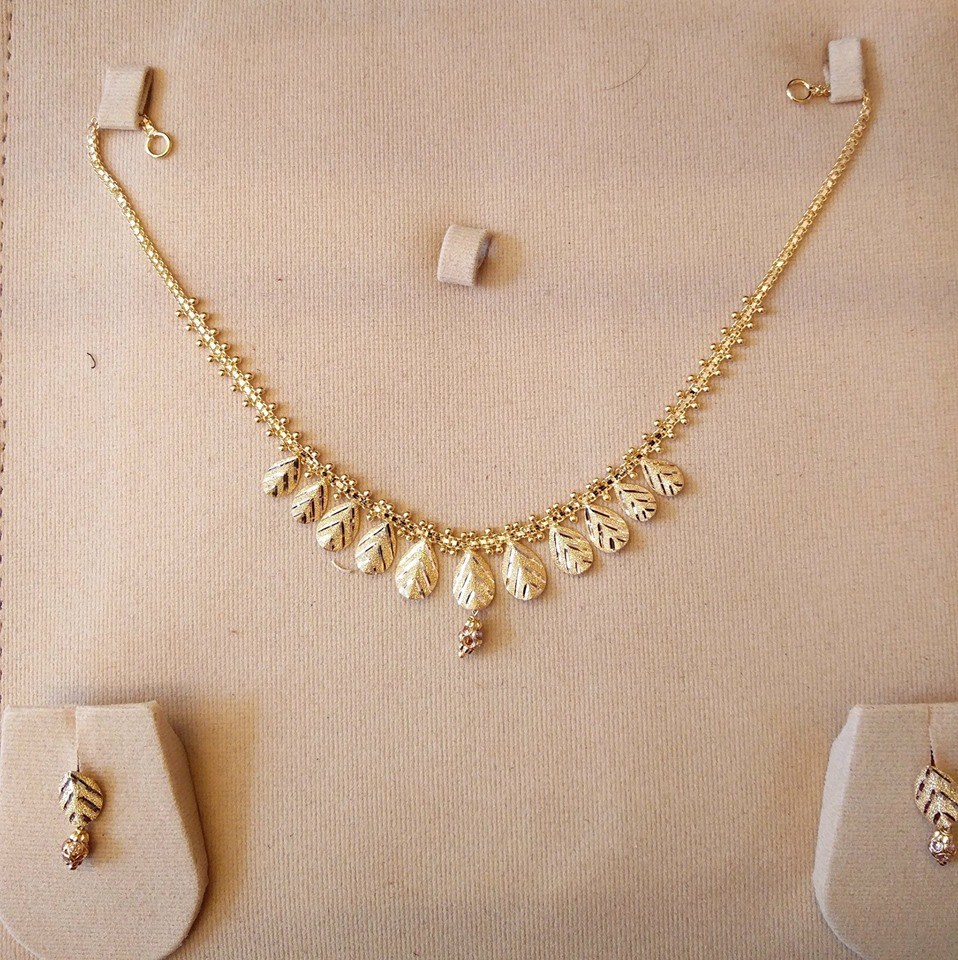 10 gms necklaces with studs – boutiquedesignerjewellery.com